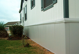 insulated bottom skirting enclosure
